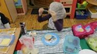 Najmłodsi uczniowie w akcji ,,Śniadanie daje moc
